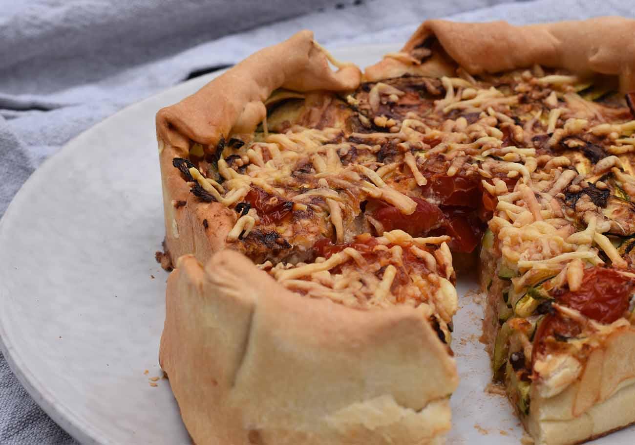 Hartige taart van tomaten en courgettini uit de Airfryer